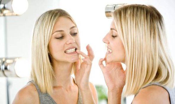 su salud dental puede influenciar en su patrón de sonrisa