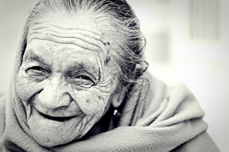 realacion-entre-la-salud-dental-y-el-envejecimiento-facial